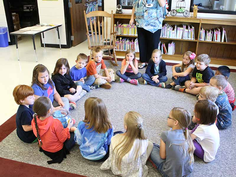 northside elementary students in circle